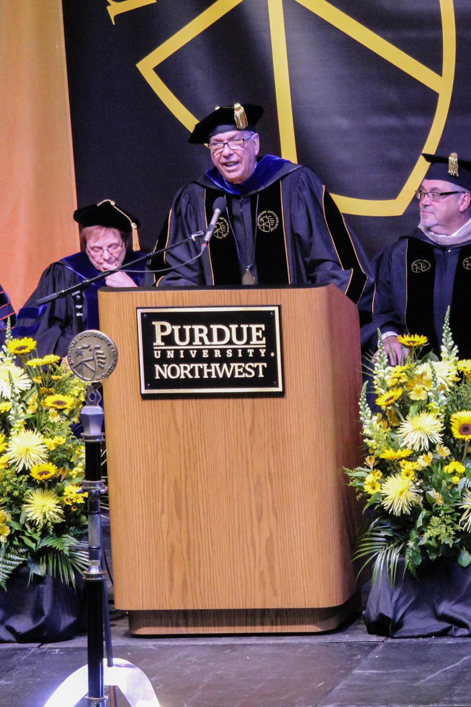 Chancellor Thomas Keon speaks to graduates at the Hammond campus.